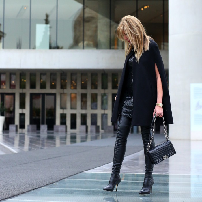 capes-8-reasons-why-you-should-invest-in-a-cape-this-winter.-All-black