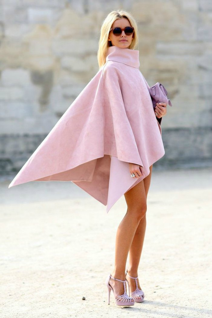 capes-8-reasons-why-you-should-invest-in-a-cape-this-winter.-Street-Style-Paris