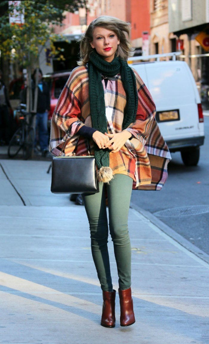 capes-8-reasons-why-you-should-invest-in-a-cape-this-winter.-Taylor-Swift-Street-style